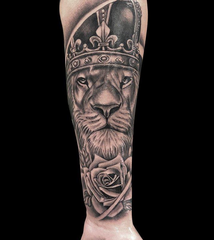 Ligera-ink-tattoo-milano-tatuaggi-milano-migliori-tatuatori-milano-tatuaggi-realistici-milano-tatuaggio-leone-tattoo-leone