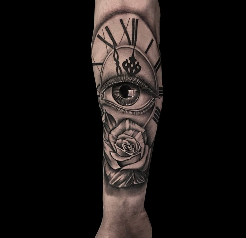 Ligera-ink-tattoo-milano-tatuaggi-milano-migliori-tatuatori-milano-tatuaggi-realistici-milano-tatuaggio-occhio