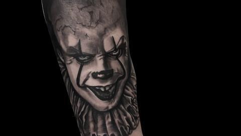 Ligera-ink-tattoo-milano-tatuaggi-milano-migliori-tatuatori-milano-tatuaggi-realistici-milano-tatuaggio-pennywise