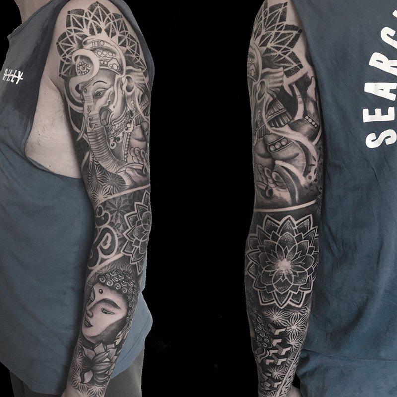Ligera-ink-Tattoo-Cinisello-Balsamo-tatuaggi-cinisello-balsamo-tatuatori-cinisello-tatuaggi-geometrici-tatuaggi-dotwork-milano10