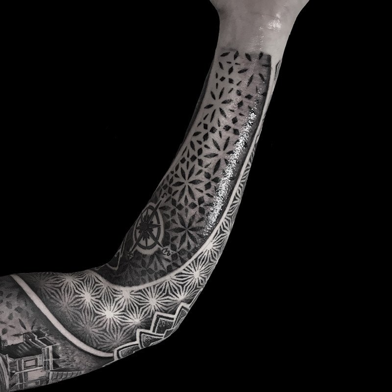 Ligera-ink-Tattoo-Cinisello-Balsamo-tatuaggi-cinisello-balsamo-tatuatori-cinisello-tatuaggi-geometrici-tatuaggi-dotwork-milano11