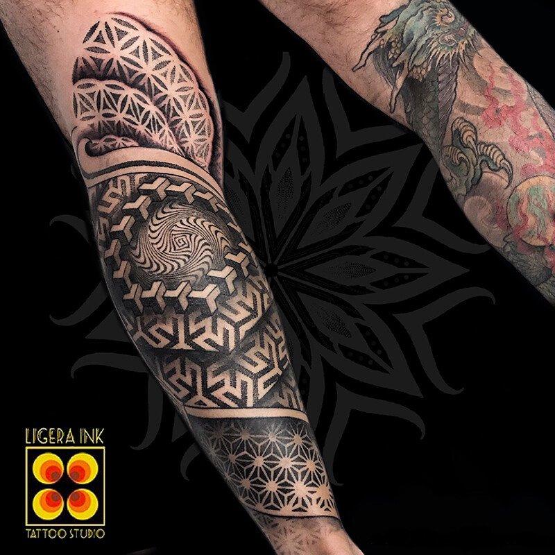 Ligera-ink-Tattoo-Cinisello-Balsamo-tatuaggi-cinisello-balsamo-tatuatori-cinisello-tatuaggi-geometrici-tatuaggi-dotwork-milano16