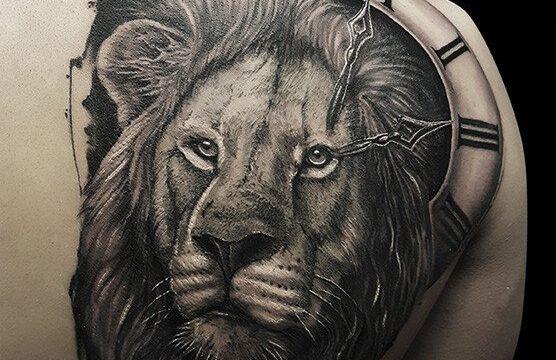 Ligera-ink-tattoo-milano-tatuaggi-milano-migliori-tatuatori-milano-tattoo-realistici-milano-tatuaggi-realistici-milano-tattoo-leone-milano-tatuaggio-leone