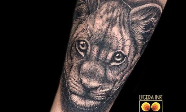 Ligera-ink-tattoo-milano-tatuaggi-milano-migliori-tatuatori-milano-tattoo-realistici-milano-tatuaggi-realistici-milano-tattoo-milano-tatuaggio-ritratto-milano-leoncino