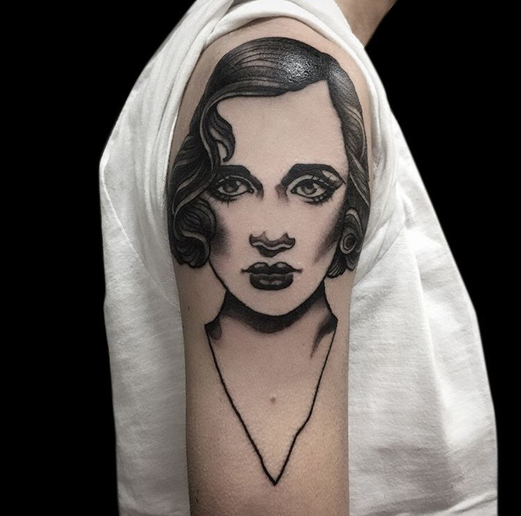 Ligera-ink-tattoo-milano-tatuaggi-milano-tatuatori-milano-tatuatrice-milano-tatuatrice-blackwork-tatuaggi-blackwork-milano