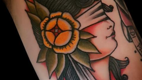 Ligera-ink-tattoo-milano-tatuaggi-milano-miglior-tatuatore-milano-tatuaggi-tradizionali-tatuaggi-old-school-tatuaggio-donna