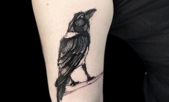 Ligera-ink-tattoo-milano-tatuaggi-milano-migliori-tatuatori-milano-tattoo-blackwork-milano-tatuaggi-blackwork-milano-tatuaggio-blackwork-milano-tatuaggio-sketch-corvo