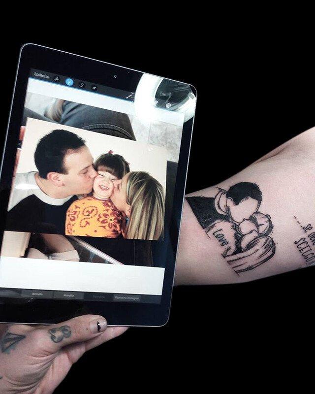 Ligera-ink-tattoo-milano-tatuaggi-milano-migliori-tatuatori-milano-tattoo-blackwork-milano-tatuaggi-blackwork-milano-tatuaggio-blackwork-milano-tatuaggio-sketch-famiglia02