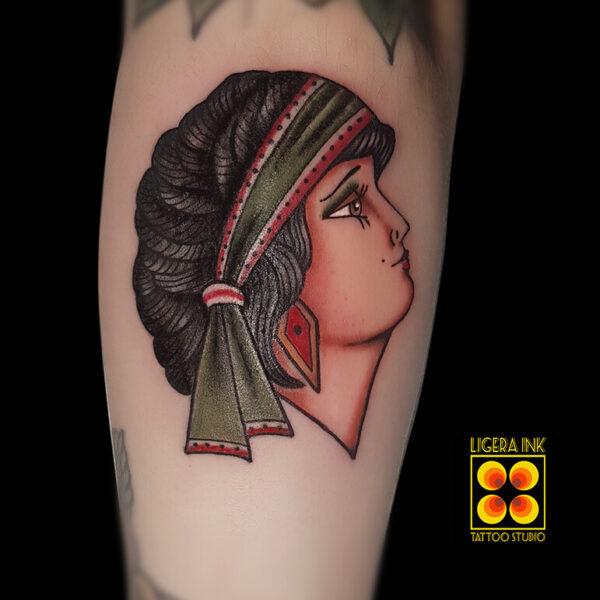 Ligera-ink-tattoo-milano-tatuaggi-milano-migliori-tatuatori-milano-tatuaggio-tradizionale-milano-tattoo-tradizionale-milano-tatuaggio-donnina