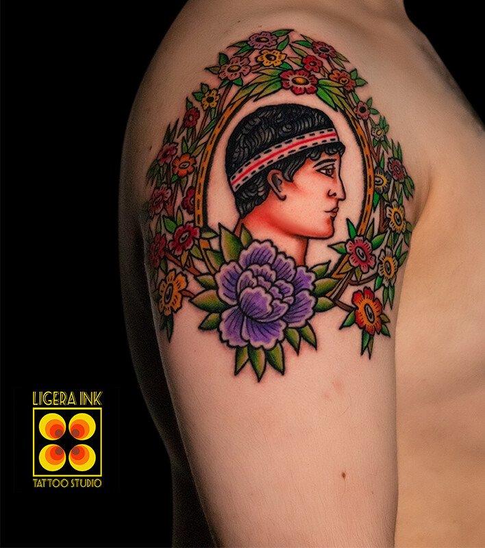 Ligera-ink-tattoo-milano-tatuaggi-milano-migliori-tatuatori-milano-tatuaggio-tradizionale-milano-tattoo-tradizionale-milano-tatuaggio-volto-greco-giovane