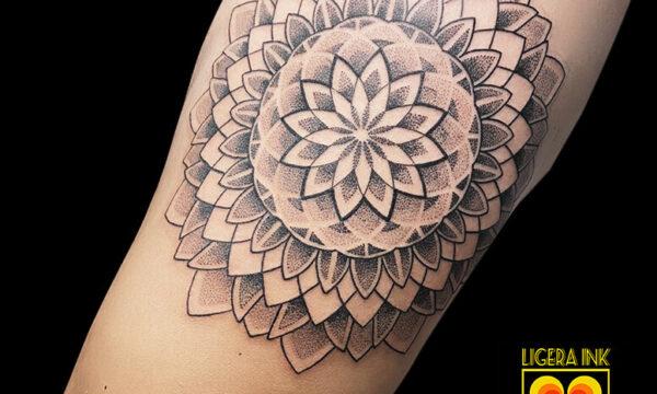 Ligera-ink-Tattoo-Cinisello-Balsamo-tatuaggi-cinisello-balsamo-tatuatori-cinisello-tatuaggi-geometrici-tatuaggi-dotwork-milano-tatuaggio-mandala