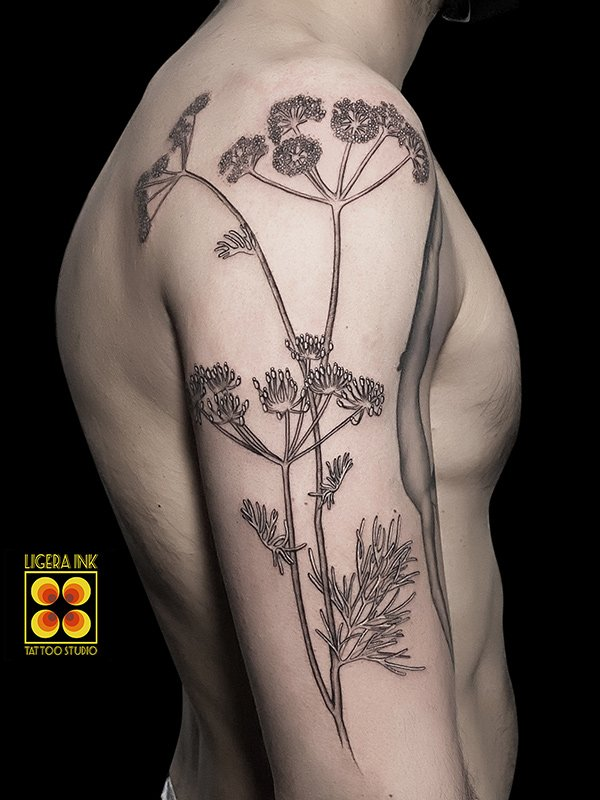 Ligera-ink-tattoo-milano-tatuaggi-milano-migliori-tatuatori-milano-tattoo-blackwork-milano-tatuaggi-blackwork-milano-tatuaggio-fine-line-balckwork-milano