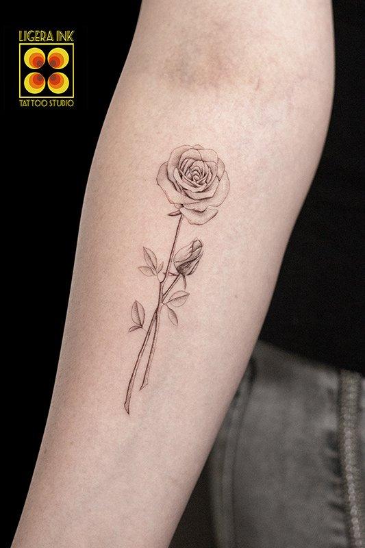 Ligera-ink-tattoo-milano-tatuaggi-milano-migliori-tatuatori-milano-tattoo-blackwork-milano-tatuaggi-blackwork-milano-tatuaggio-fine-line-blackwork-milano