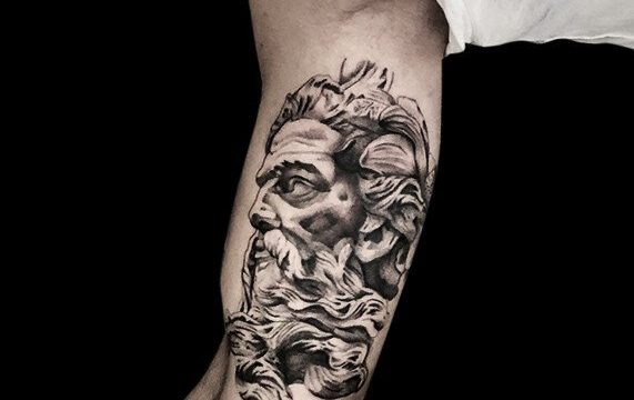 Ligera-ink-tattoo-milano-tatuaggi-milano-migliori-tatuatori-milano-tattoo-blackwork-milano-tatuaggi-blackwork-milano-tatuaggio-poseidone-blackwork-milano-tatuaggio-ritratto-blackwork