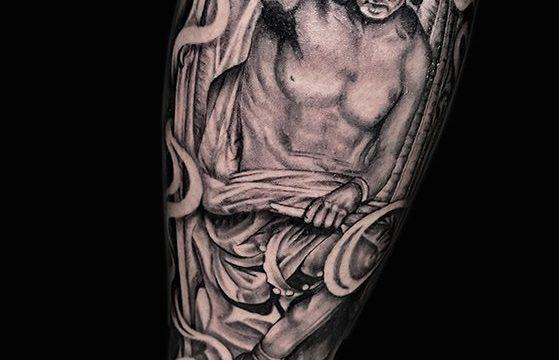 Ligera-ink-tattoo-milano-tatuaggi-milano-migliori-tatuatori-milano-tatuaggio-Tatuaggi-realistici-milano-tattoo-realistici-milano-tatuaggio-statua