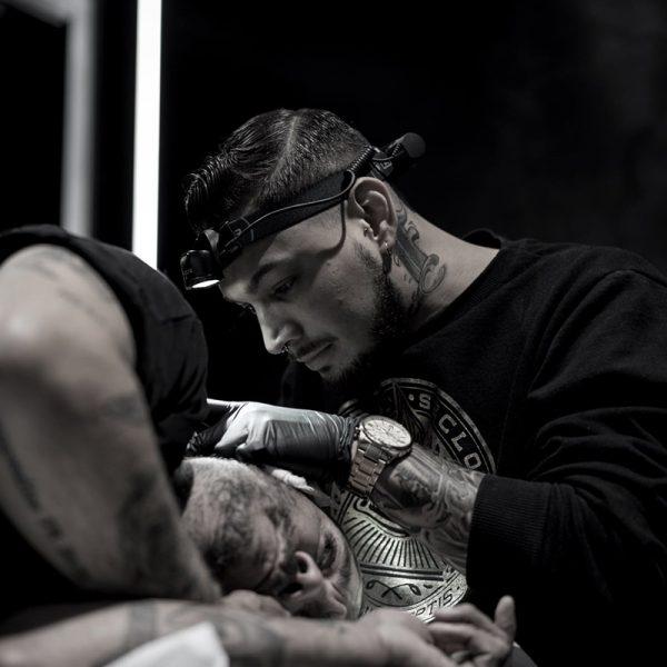 Ligera-ink-tattoo-milano-tatuaggi-milano-migliori-tatuatori-milano-tatuaggio-maori-milano-tatuatore-maori-milano-tatutore-polinesiano